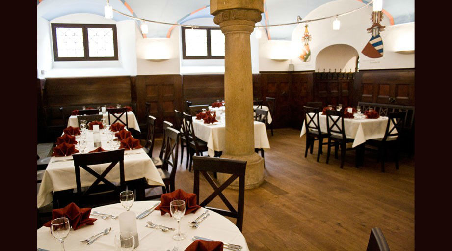 Beispiel: Restaurant Nebenraum, Foto: Regensburger Ratskeller.