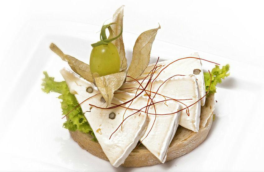 Beispiel: Fingerfood mit Käse, Foto: Lunchbox Catering & Event.