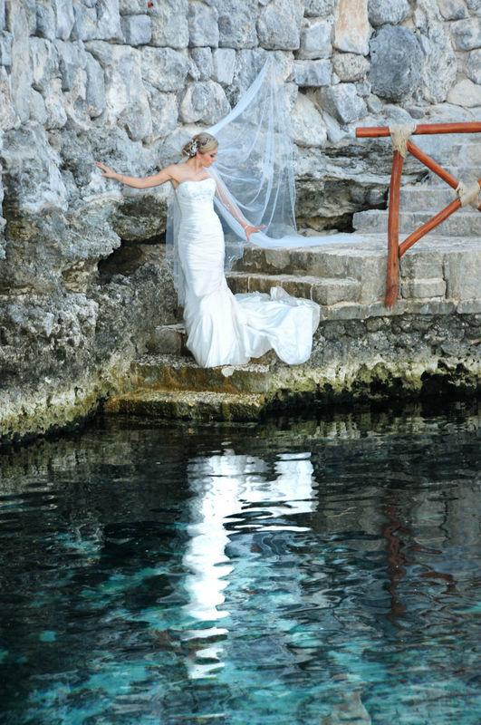Trash the Dress - Angel Giovanni Films