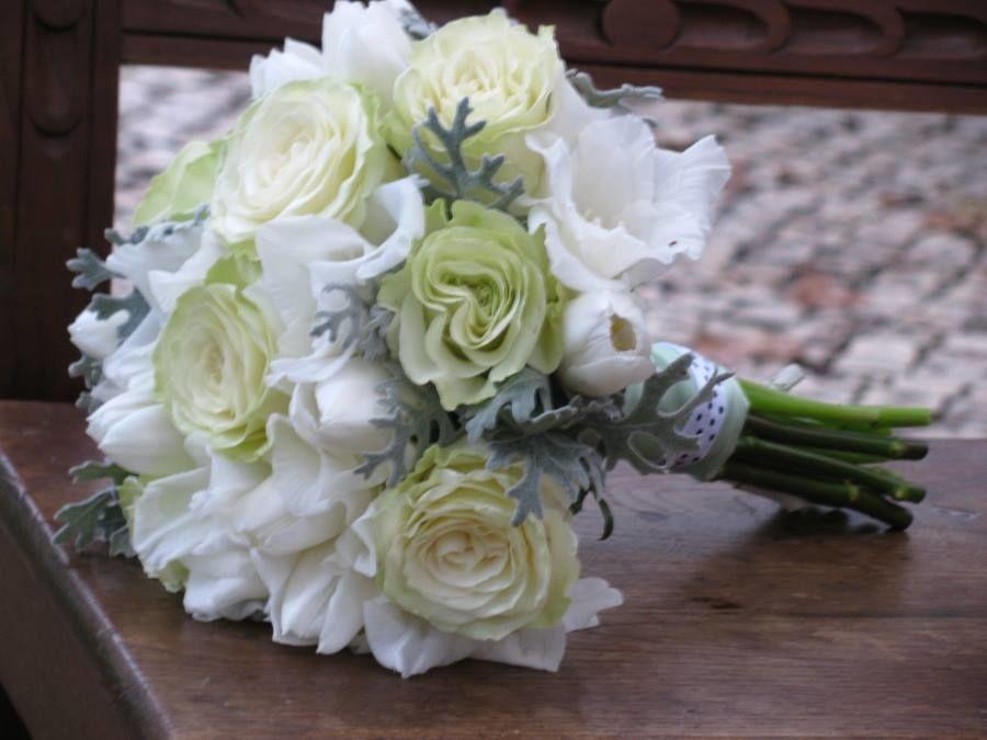 Bouquet de Noiva Rosas e Túlipas brancas
