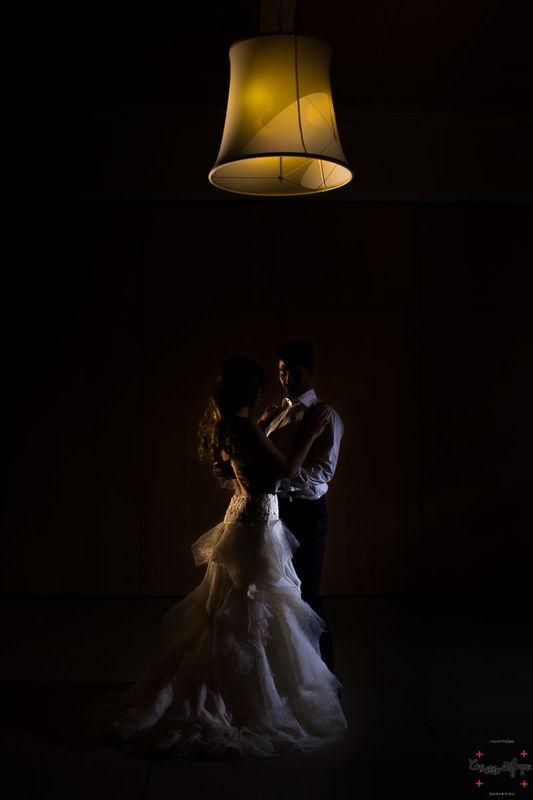 bailando en el salón de bodas del hotel Silken. Valencia