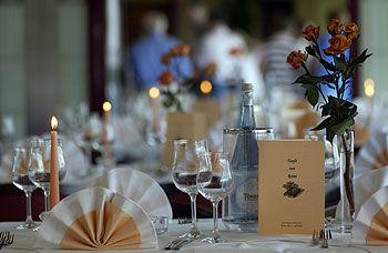 Beispiel: Festliche Tischdekoration, Foto: Dacapo.
