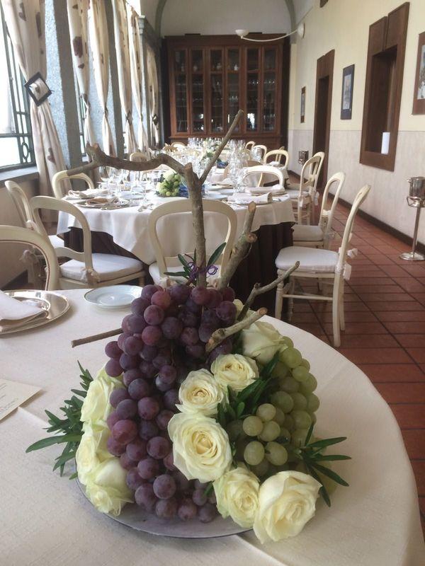 Allestimenti con uva e rose