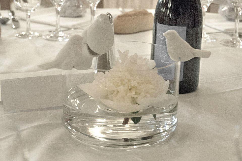 petits oisillons qui embellissent votre table dans leur écrin en verre pouvant servir de décoration, de pot à bonbons, ...