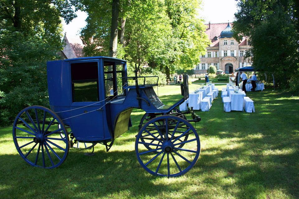 Beispiel: Schlossgarten - Kutsche, Foto:  GenussRäume der SchulerGruppe - Schloss Dürrenmungenau.