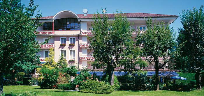 Beispiel: Das Hotel von Aussen, Foto: Parkvilla Wörth.