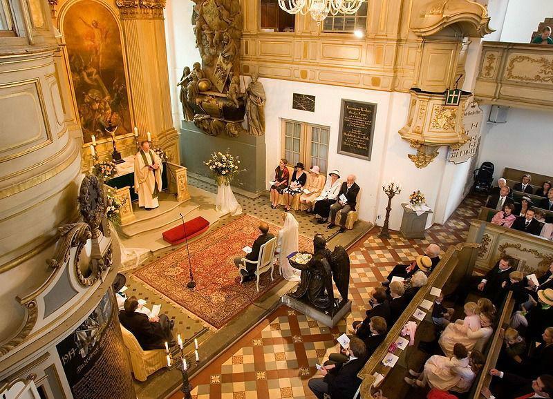 Beispiel: Kirchliche Trauung, Foto: Schloss Lübbenau.