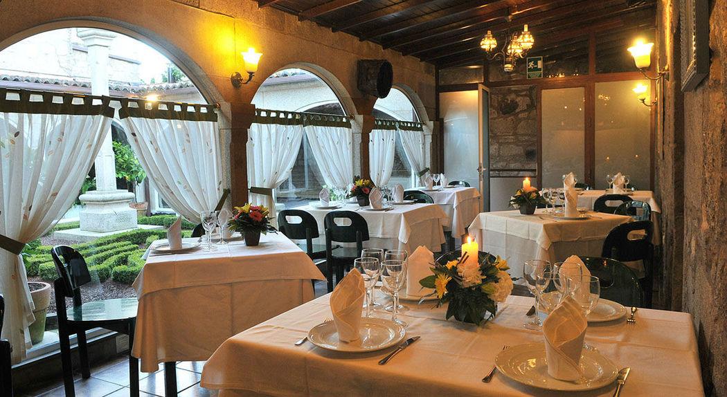 Restaurante a la carta convertible en salón reservado con capacidad para 25 personas