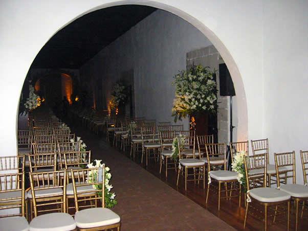 Pasillos disponibles para celebraciones Ex Convento de San Hipólito