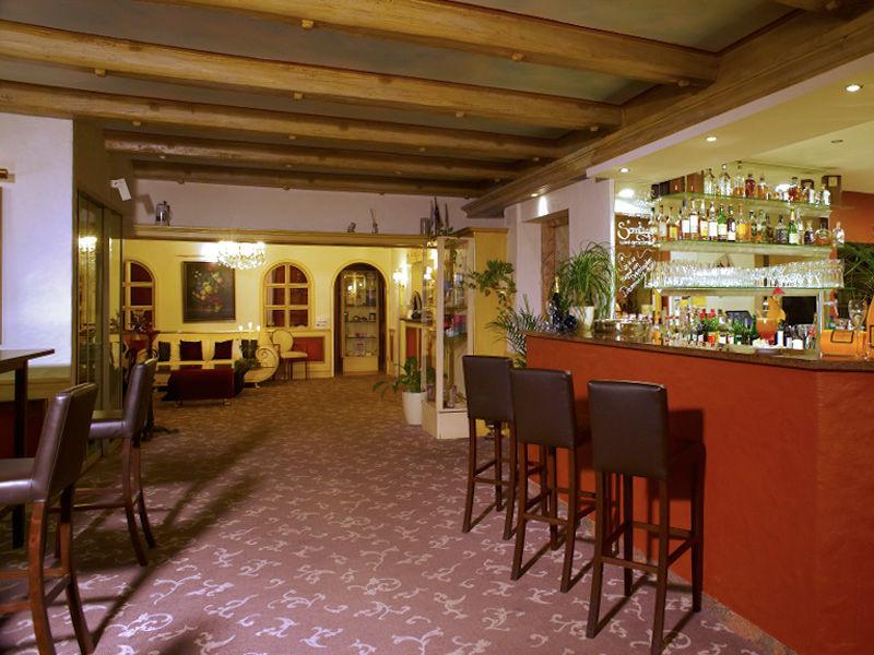Beispiel: Bar, Foto: Parkhotel Krone Maleck.