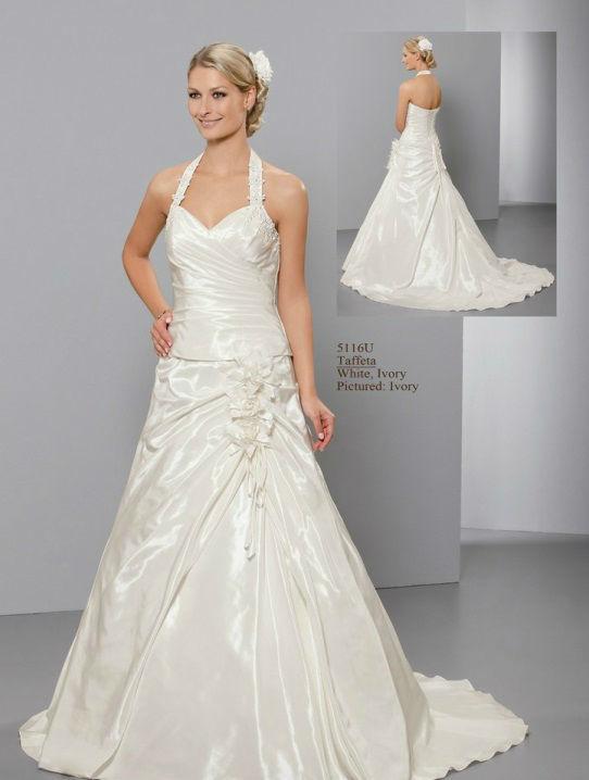 Beispiel: Wunderschöne Brautkleider, Foto: Hochzeitsmoden Diener.