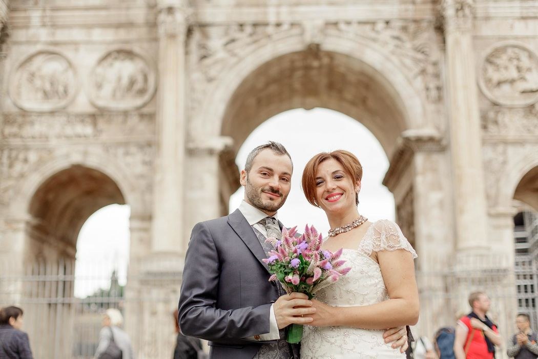 italian engament rome  couple angela.photo angela matrimonio fidanzamento trashthedress nozze italia sposi roma foto coppia fori imperiali