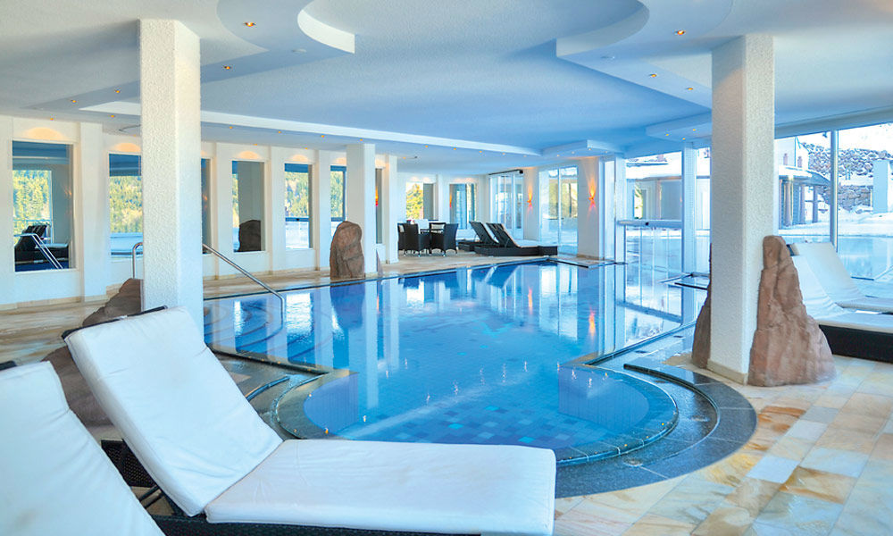 Beispiel: Innenbecken, Foto: Dollenberg Schwarzwald Resort.