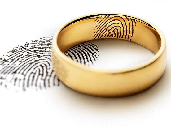 Beispiel: Ringe mit Gravur, Foto: Juwelier Neuwirth.