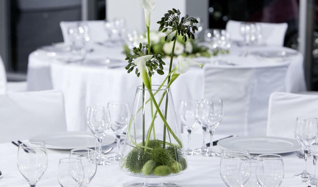 Beispiel: Tischdekoration, Foto: 1A Blumen Halbig.
