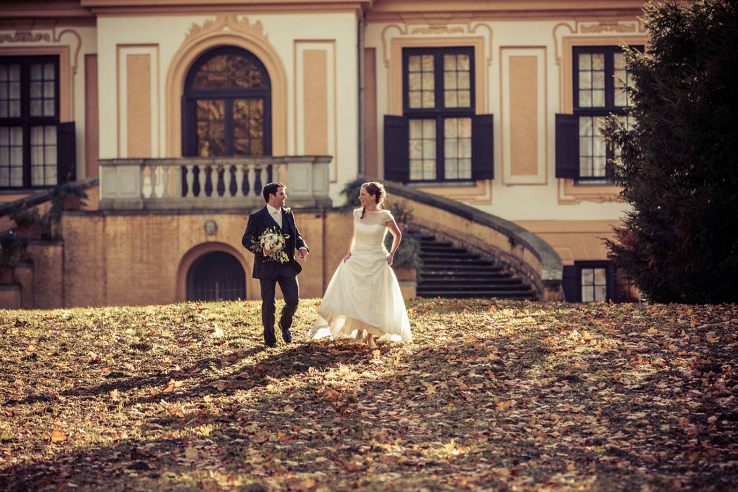 Schloss Caputh Potsdam , Hochzeitsfotografie schloss Caputh, Brautpaarbilder iris Woldt