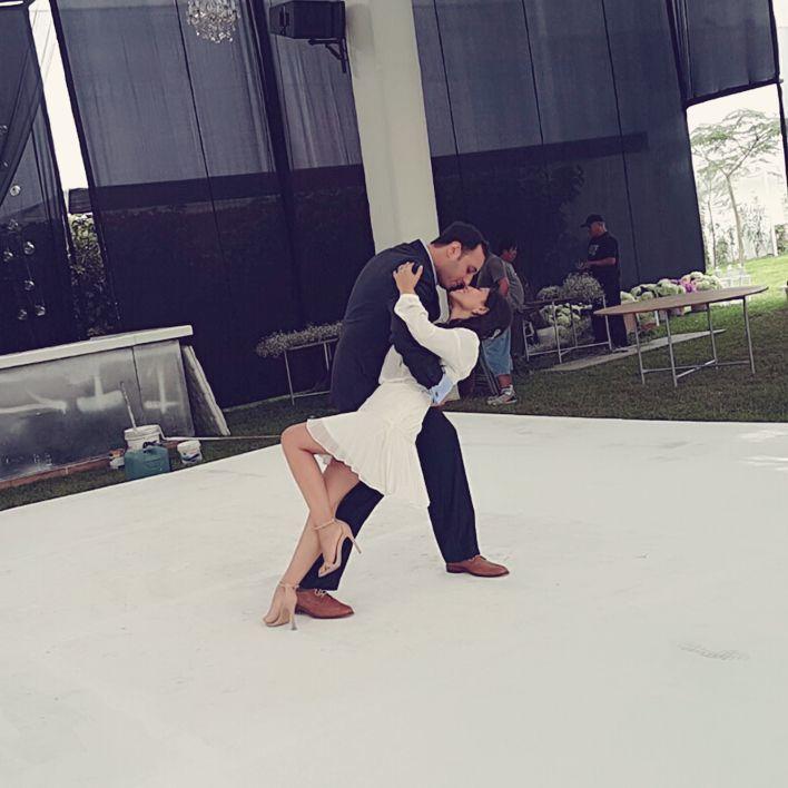 El final de su lindo Baile de Novios y el inicio de su vida juntos...Gisell & Joseph lograron cautivar a todos.