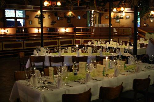 Beispiel: Hochzeitstafel, Foto: Brauhaus Kühler Krug.