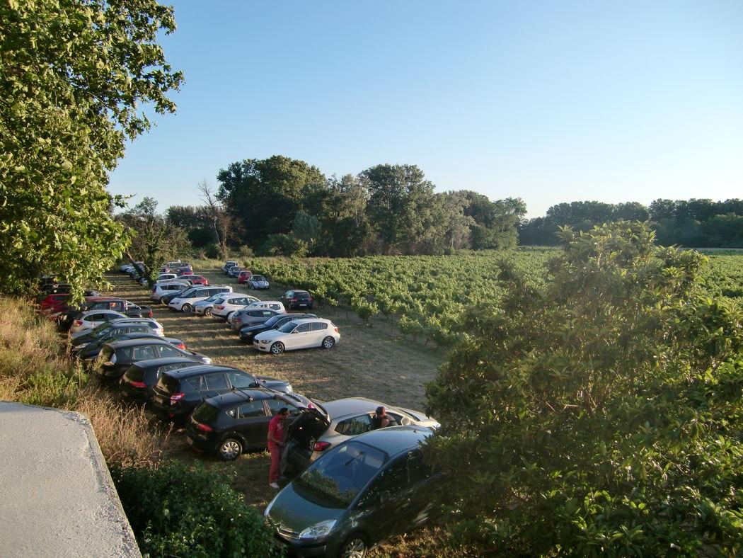 l'un des endroits pour garer les voitures