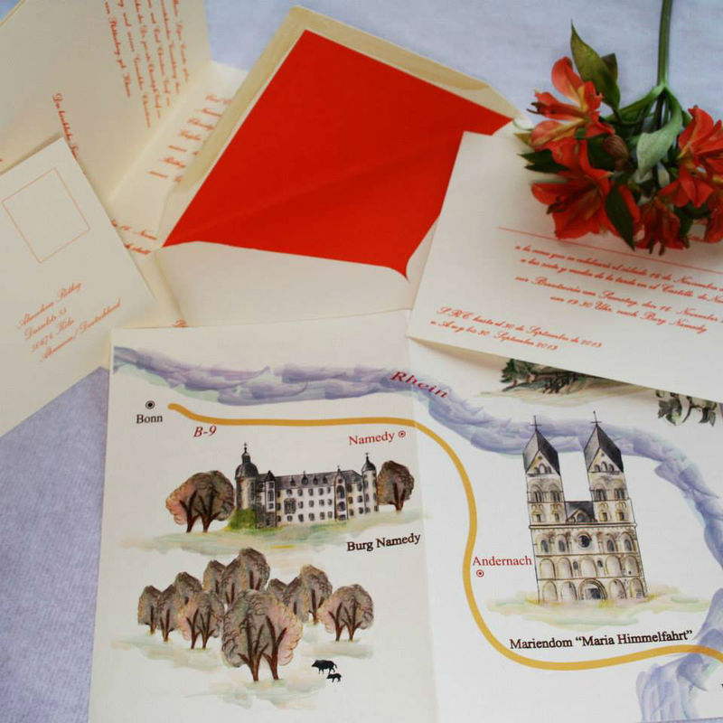 Conjuntos de invitación y sobre con plano a colores