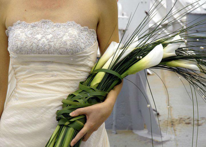 Beispiel: Von Brautstrauß bis Brautkleid, Foto: edel:weiss weddingdesign.
