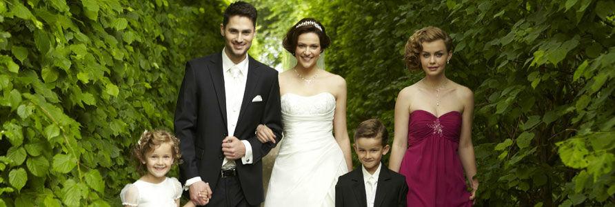 Beispiel: Hochzeitsmode für die ganze Familie, Foto: Wedding Center Wien.