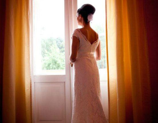 Beispiel: Beratung bei der Brautkleid-Suche, Foto: JaSager Berlin.