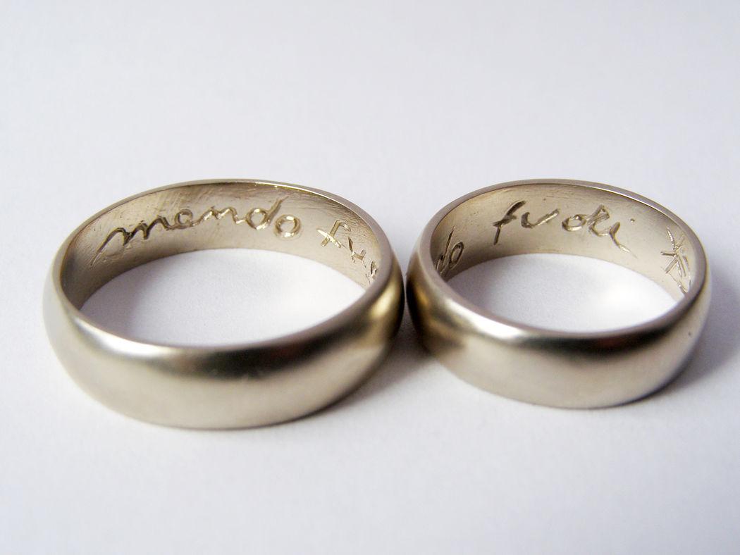 MIOeTUO - anelli in oro bianco non rodiato con superficie sabbiata