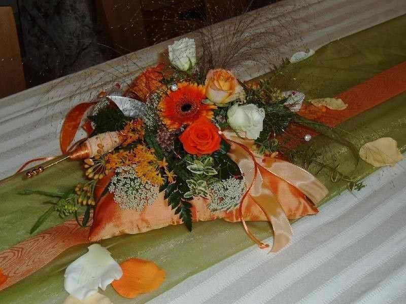 Beispiel: Tischdekoration, Foto: Moni's Blumenladen.