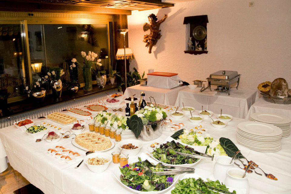 Beispiel: Buffet, Foto: Traube Romantisches Hotel & Restaurant.
