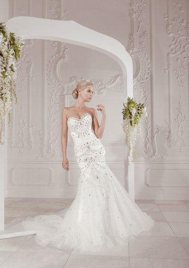 Beispiel: Individuelle Brautmode, Foto: White Silhouette.