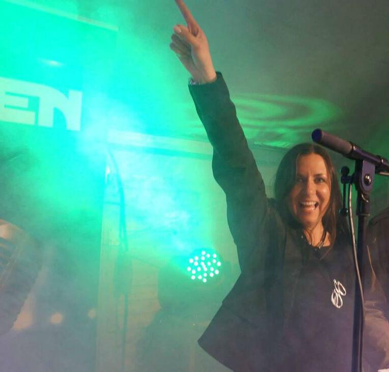 Beispiel: Bandmitglied , Foto: Night Light Band.