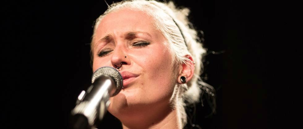 Beispiel: Sängerin: Anne-Katrin Hoffmann, Foto: Popsofa.