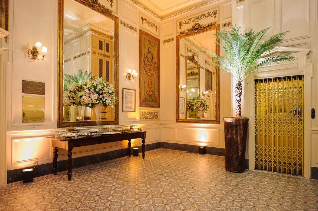Hall  dos elevadores - 2º andar - Salão Cristóvão