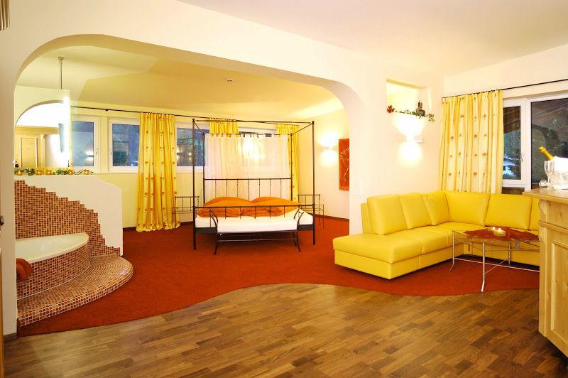 Beispiel: Zimmer, Foto: Verwöhnhotel Vötters Sportkristall.