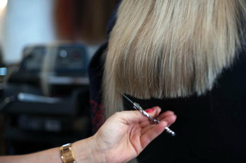 Beispiel: Haarexpertin für Ihre Brautfrisur, Foto: Jasmin's Hair & Design.
