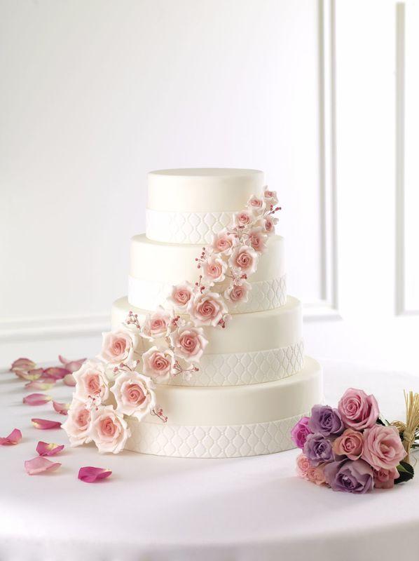 Wedding Cake Scarlett Roses - Pâtisserie La Romainville