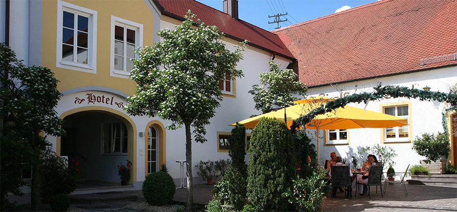 Beispiel: Biergarten, Foto: Hotel Schlosswirt.