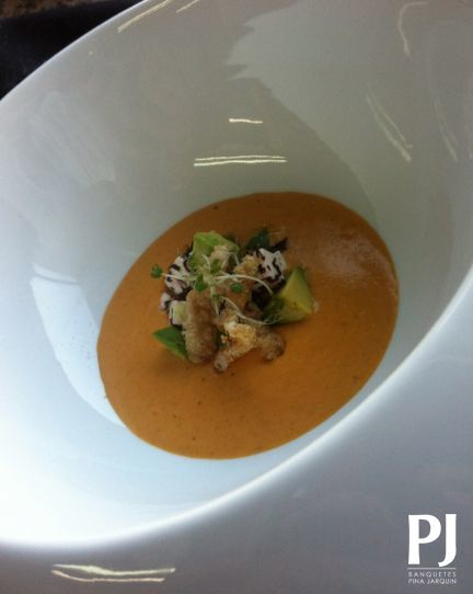 La Gastronomía de nuestro país es nuestra inspiración... Crema de Chicharrón con Aguacate.