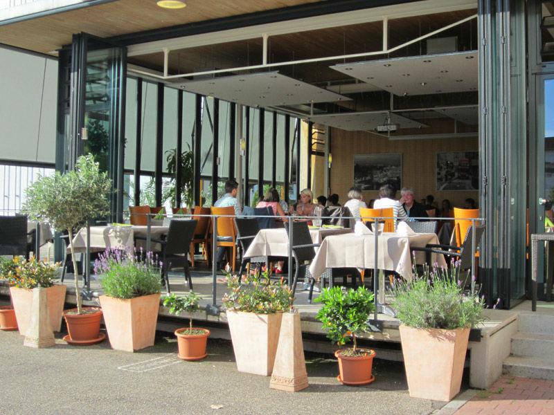 Beispiel: Terrasse, Foto: Ristorante Borsalino.