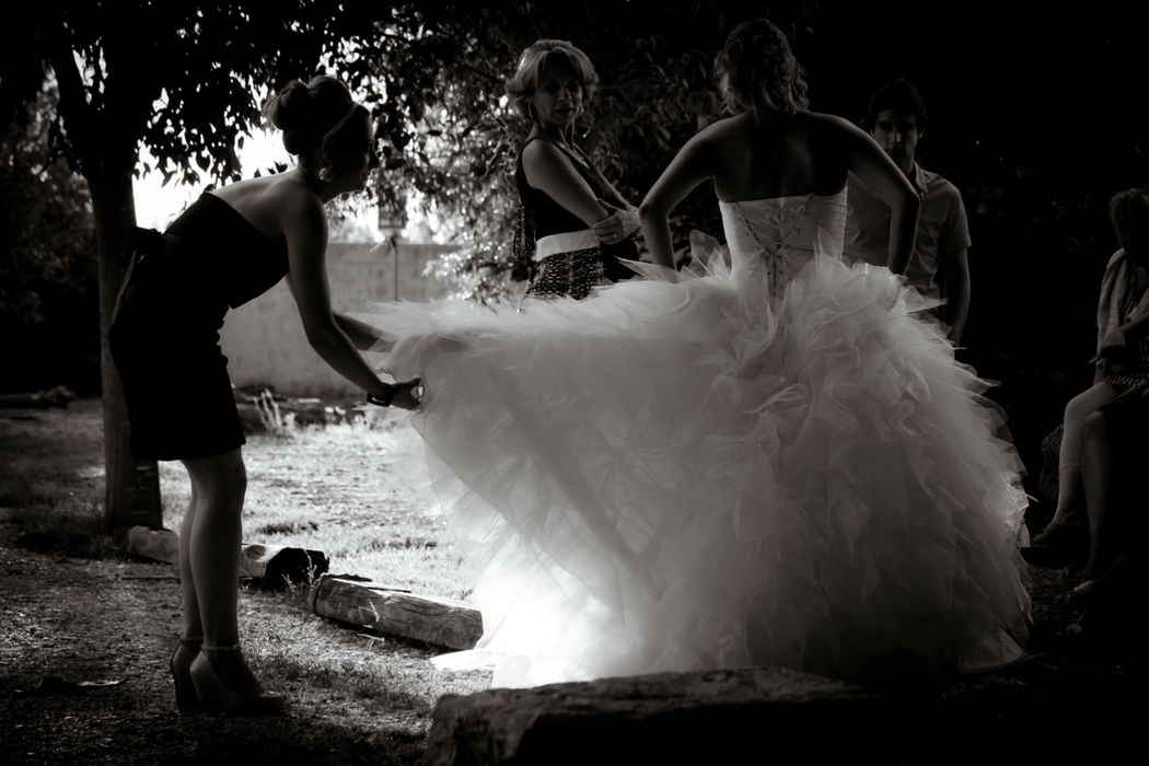 Moment complice avec la mariée