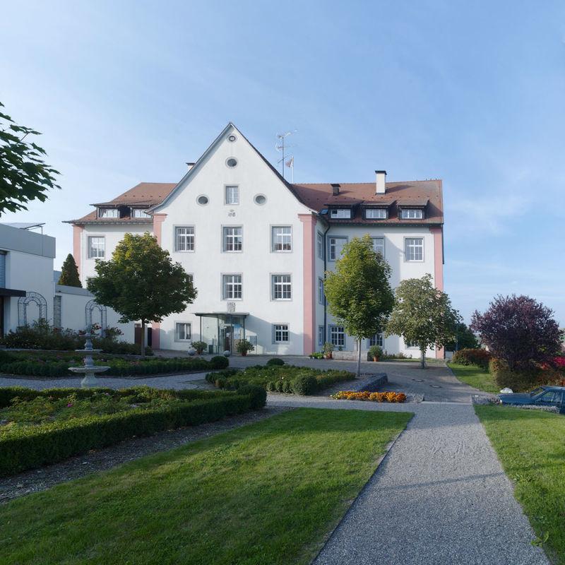 Beispiel: Außenansicht: Rosengarten, Foto: Schloss Weiterdingen.