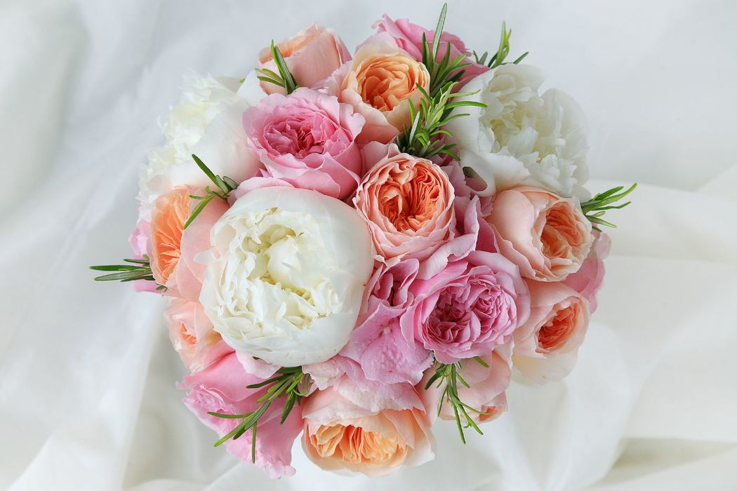 Ramo de novia de Peonias y rosas inglesas.