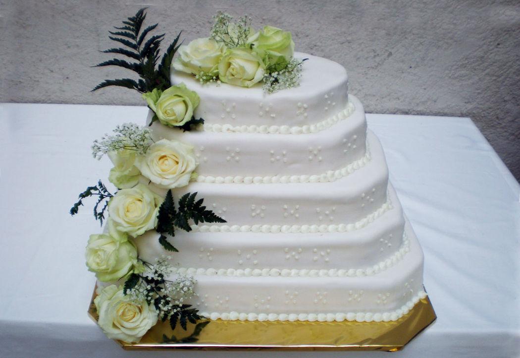 Beispiel: Wunderschöne Torten, Foto: Konditorei Stadtlehner.