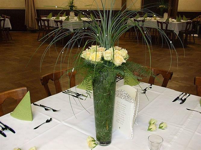 Beispiel: Tischdekoration, Foto: Gärtnerei Zobel.