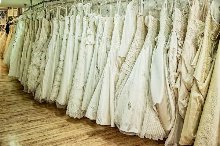 Beispiel: Da schlagen Brautherzen schneller, Foto: La Diva Brautmoden.
