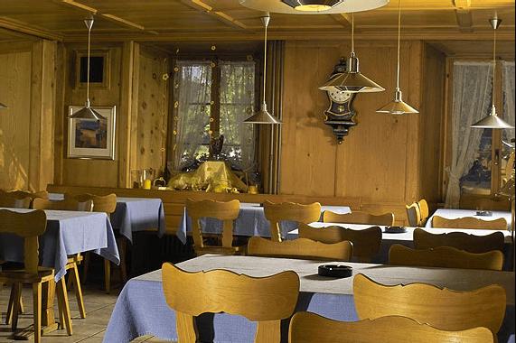 Beispiel: Restaurant, Foto: Landgasthof Adler Grüningen.