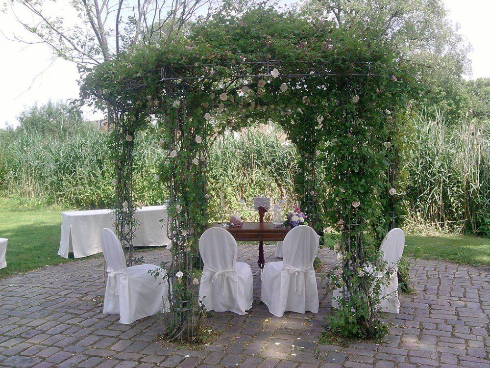 Beispiel: Trauung unter freiem Himmel, Foto: Ihr Hochzeitsredner - Gregor Andre.