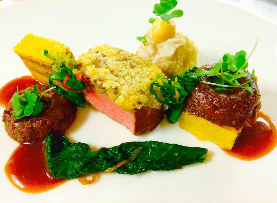 Beispiel: Kulinarisches, Foto: Excelsior Hotel Ernst.