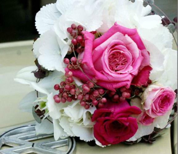 Beispiel: Brautstrauss, Foto: Die Blumenbinderei.